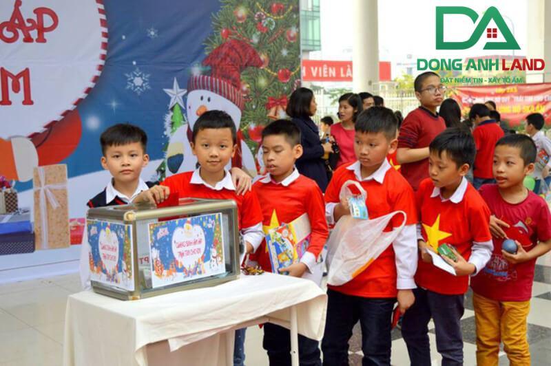 Hoạt đông gây quỹ từ thiện của học sinh